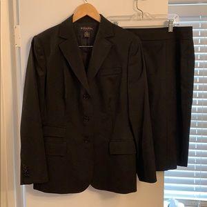 Brooks brothers suit jacket size 8 skirt size 6